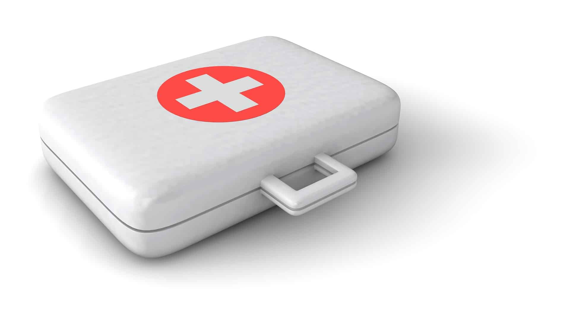 How to make a first aid kit for camping
