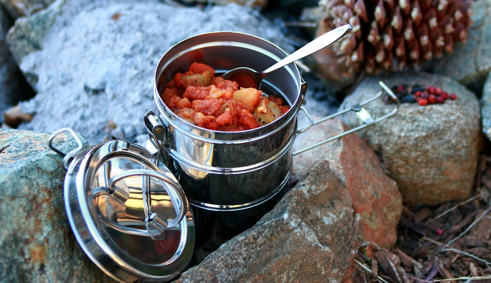 5 Best Camping Mess Kits